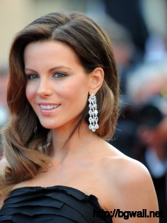 British Actress Kate Beckinsale Arrives Full Size