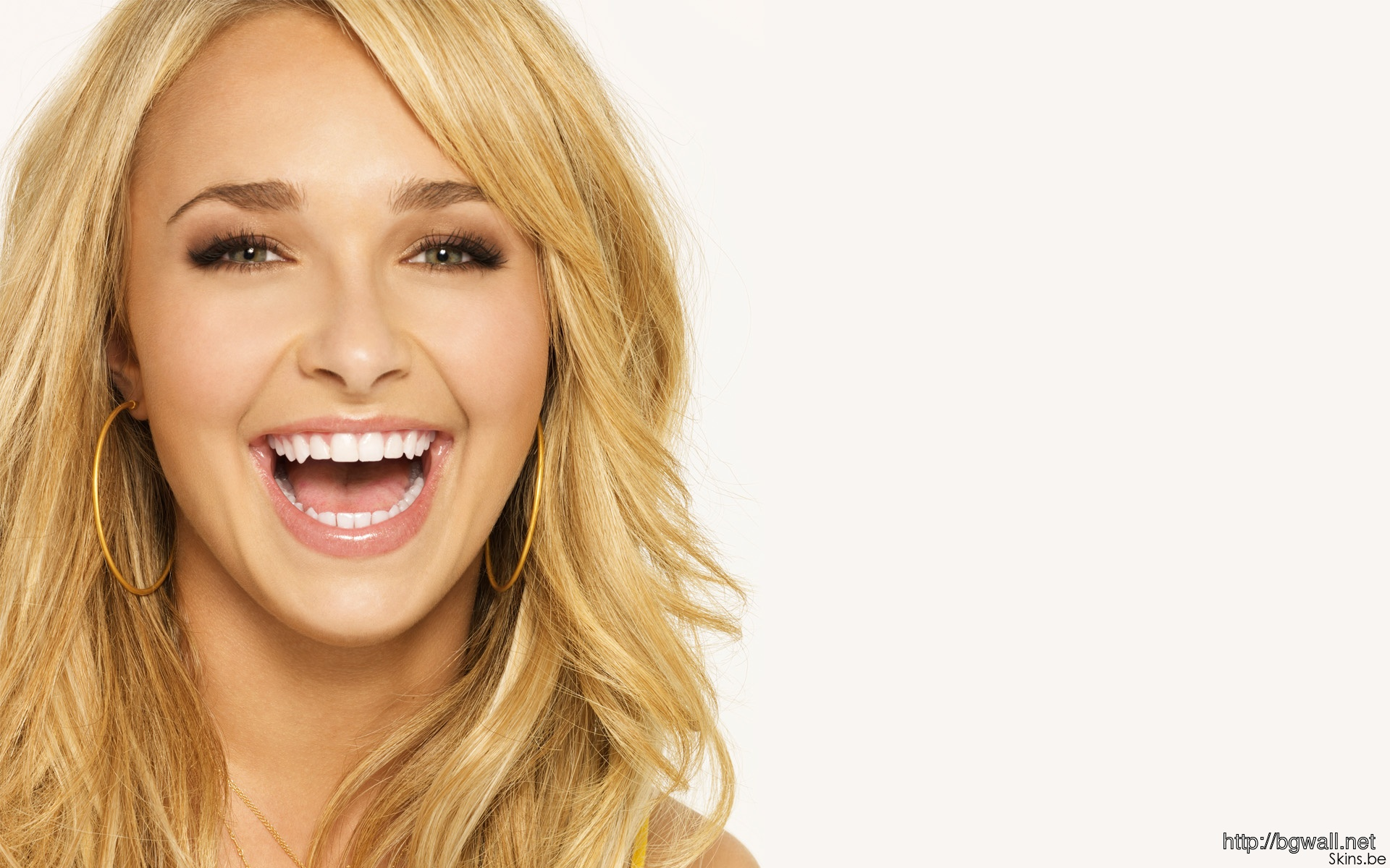 Hayden Panettiere Smile Wallpapers Full Size
