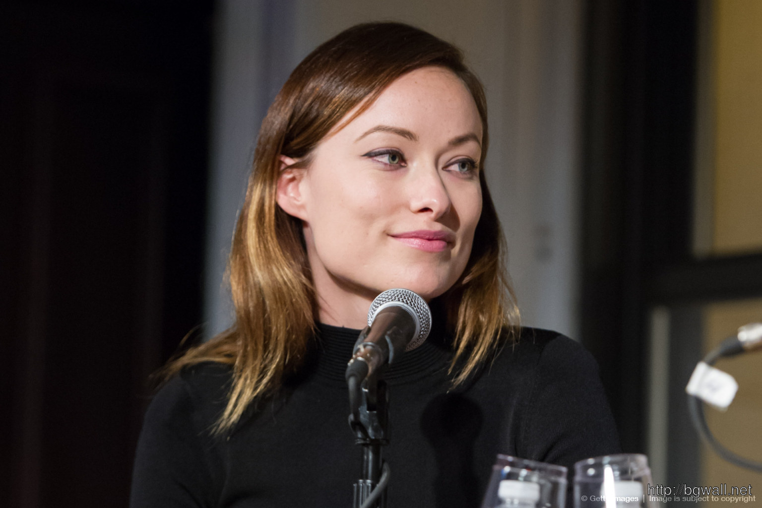 Kelly Oxford Lies To Olivia Wilde Full Size