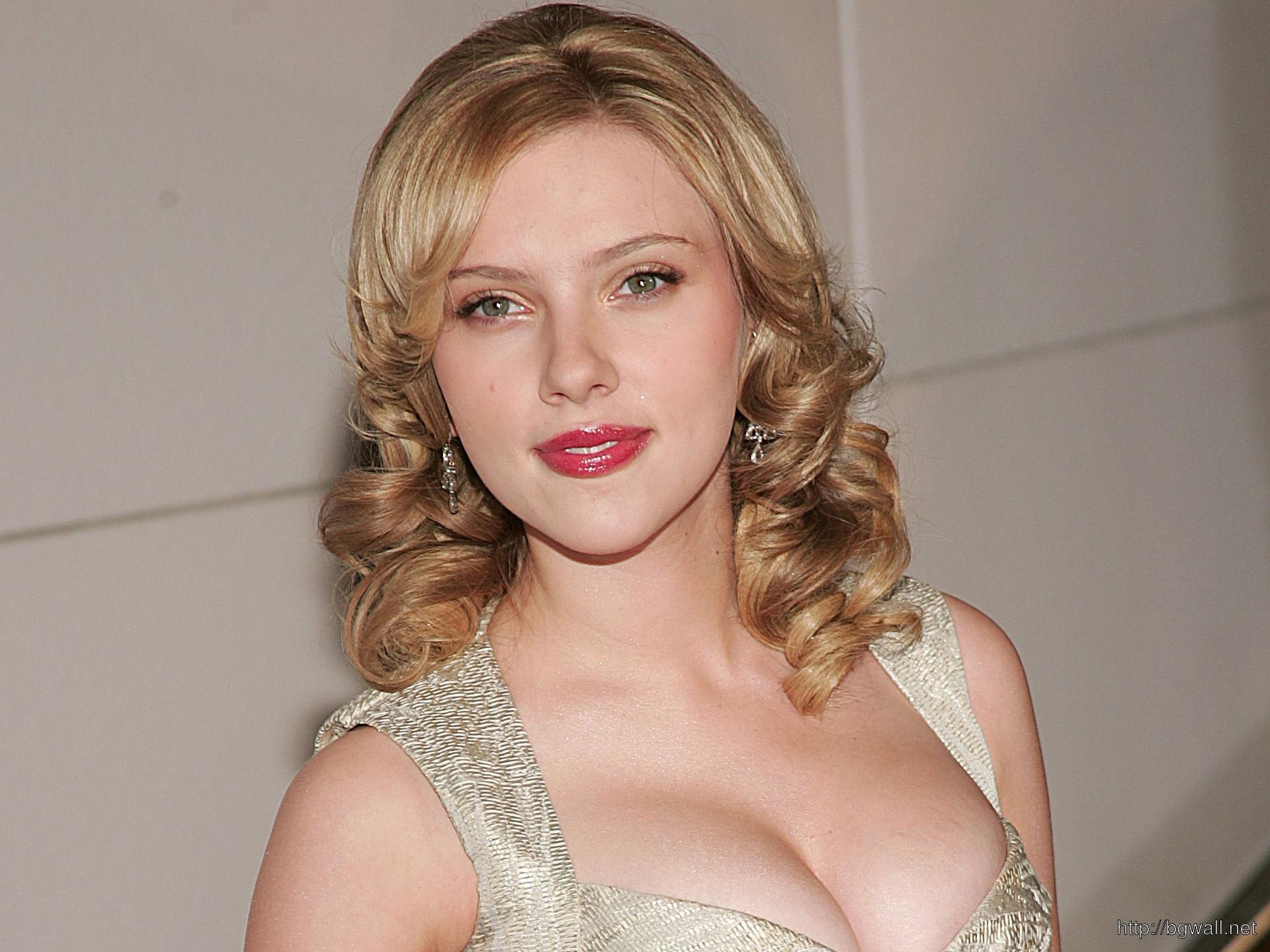 Scarlett Johansson 2013 Wallpaper