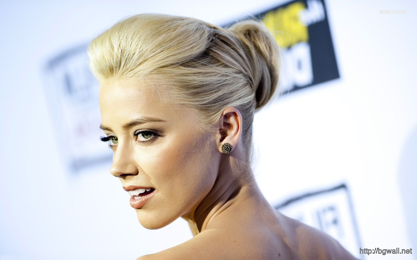 Amber Heard 1680x1050 Wallpaper Full Size