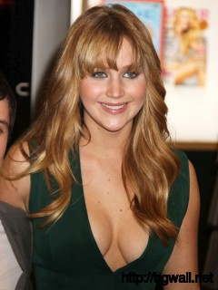 Everyone Loves Jennifer Lawrence Full Size