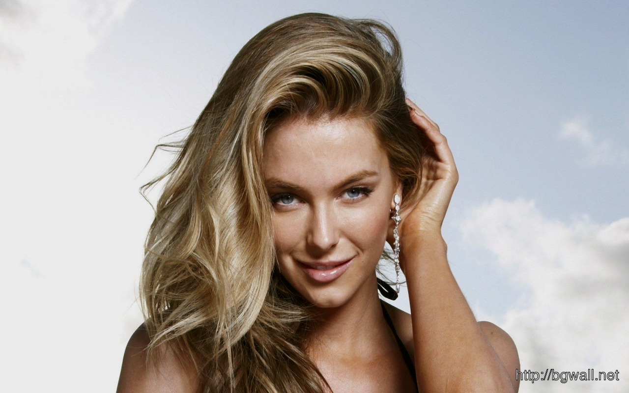 Jennifer Hawkins 1280 800 Apr152010 500x315 Jennifer Hawkins
