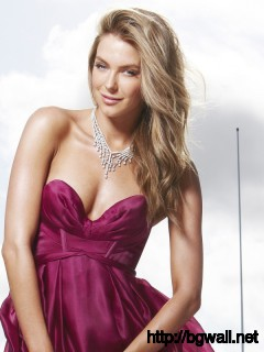 Jennifer Hawkins 38617 Full Size