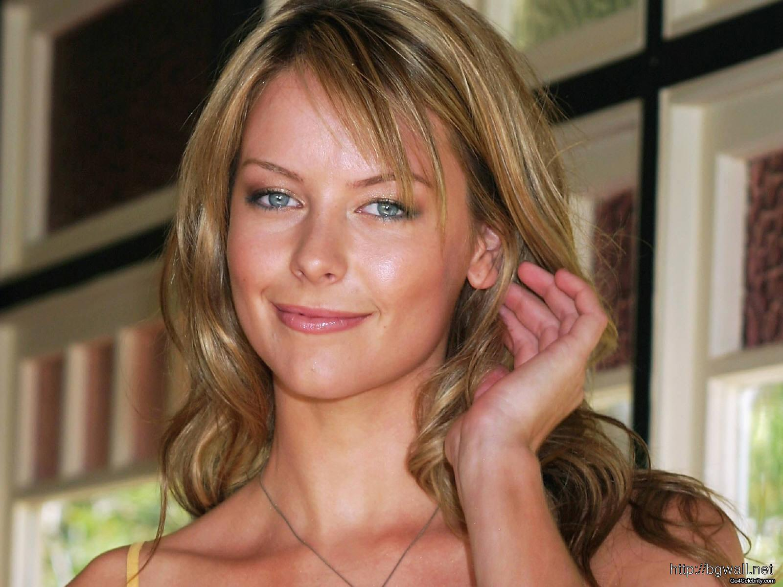 Jennifer Hawkins Celebrity Photos Biographies And More Full Size