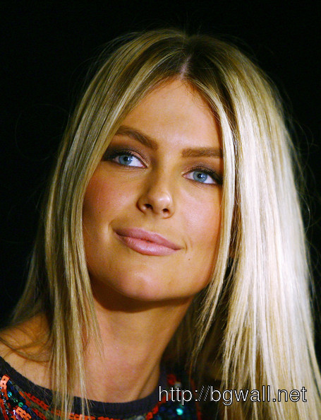 Jennifer Hawkins Pictures Full Size