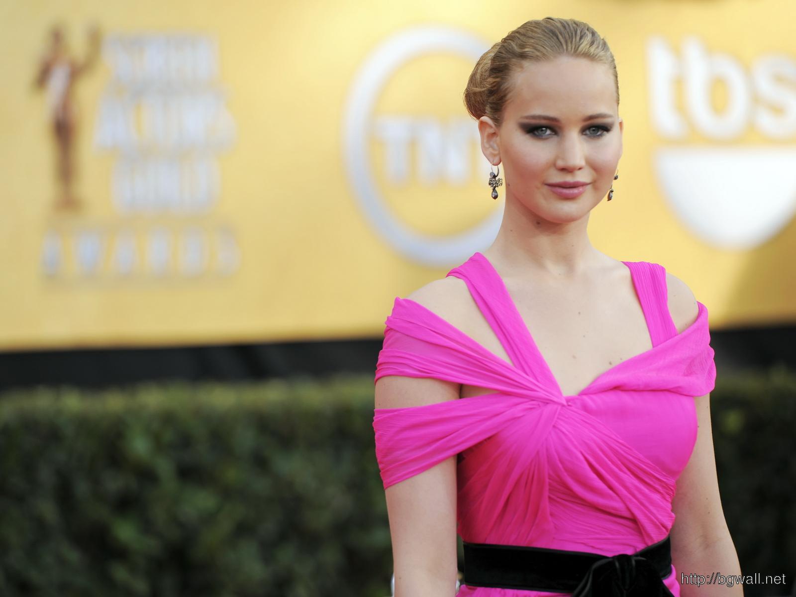 Jennifer Lawrence Elegant Full Size
