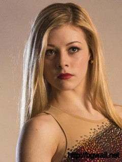 Model Olympian Gracie Gold Full Size