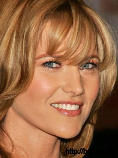 Poze Lucy Lawless Full Size
