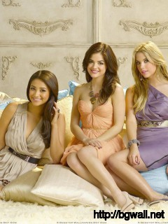 Pretty Little Liars Girls Smiling N Sitting Pose Wallpaper Full Size