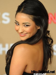 Shay Mitchell Shay Mitchell Lukin Pretty Gorgeous Full Size