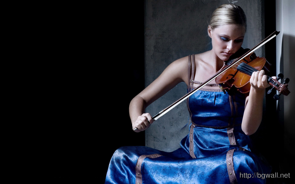 Download Blonde Playing The Violin Wallpaper Full Size