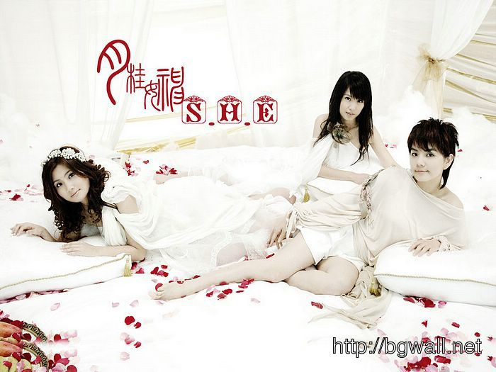 Taiwanese Girl Group Full Size