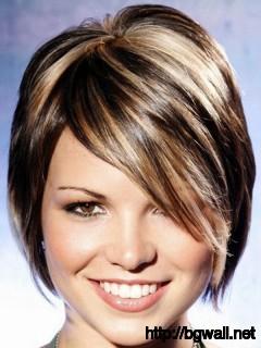 blonde-highlights-in-short-black-hair