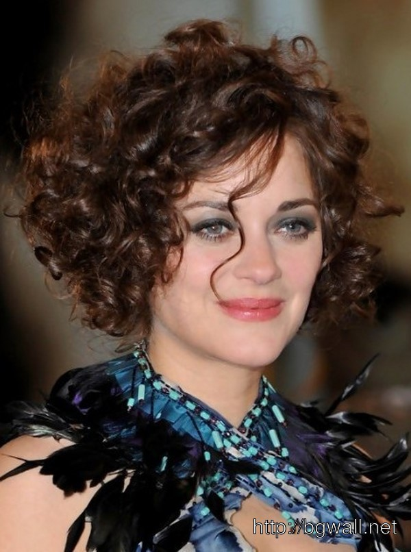 cool-hairstyle-ideas-for-short-curly-hair