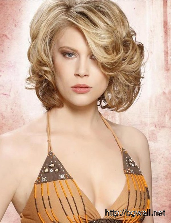 fun-hairstyle-ideas-for-short-curly-hair