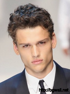 hairstyle-ideas-for-short-curly-hair-guys