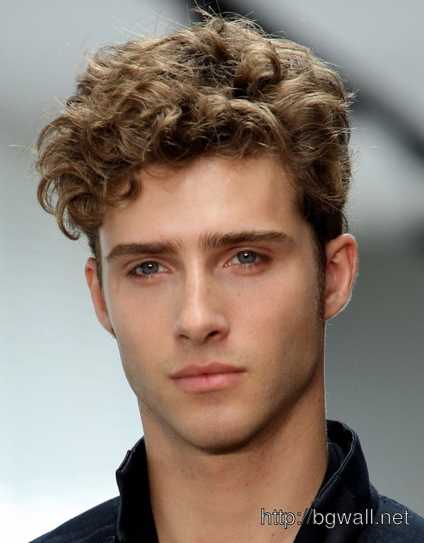 hairstyle-ideas-for-short-curly-hair-male