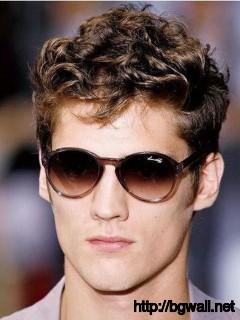mens-short-curly-haircut