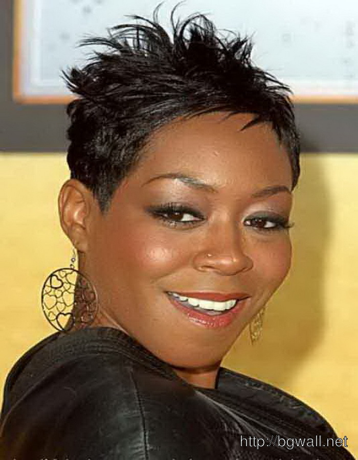 Quick-Black-Hairstyle-Ideas-for-Short-Hair