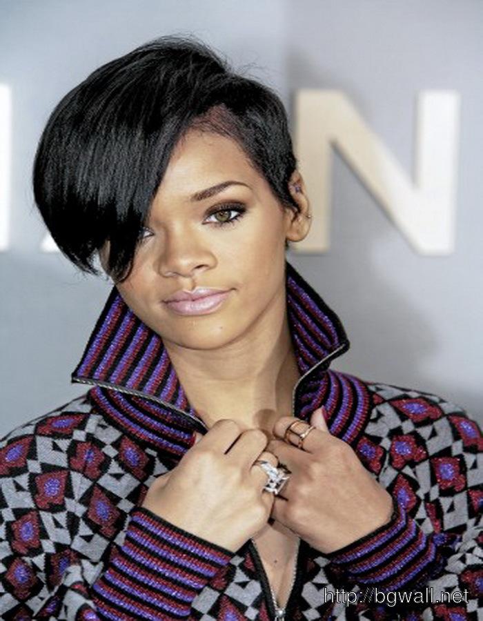 Short-Black-Girl-Hairstyle-Ideas