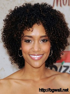 Short-Curly-Hairstyle-Ideas-for-Black-Women-for-Round-Face