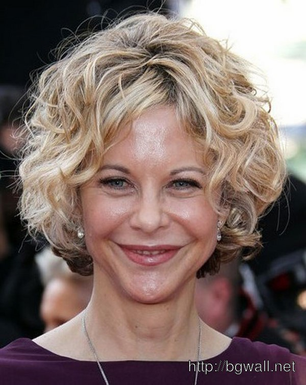 short-hairstyle-ideas-for-curly-hair-over-50