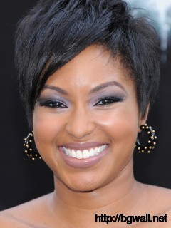 short-hairstyle-ideas-for-round-faces-and-thin-hair