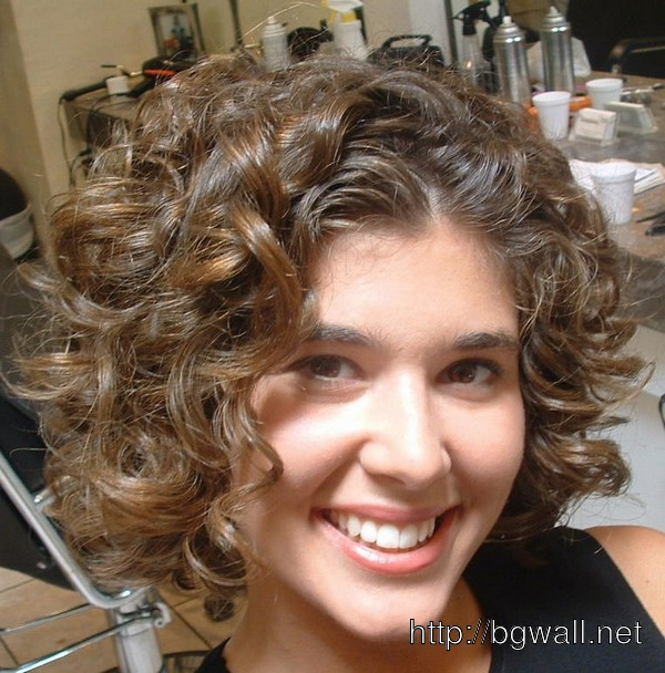 short-hairstyle-ideas-for-short-curly-hair