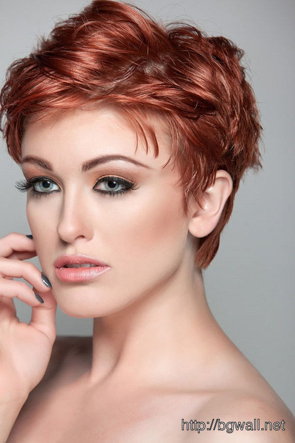 short-hairstyle-ideas-for-thin-hair-oval-face