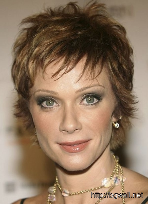 short-hairstyle-ideas-for-thin-hair-over-40