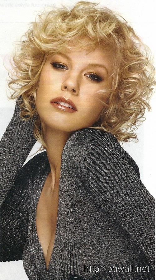 Strange Short Layered Curly Hair Pictures Short Hair Fashions Hairstyles For Women Draintrainus