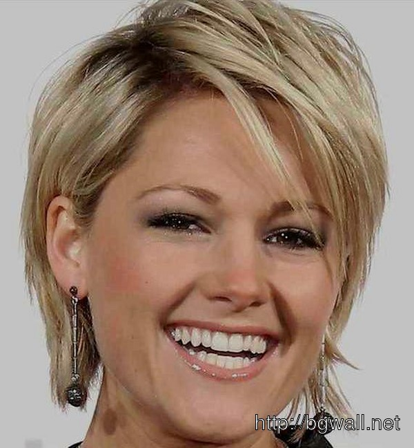Short Layered Haircut For Fine Thin Hair Background