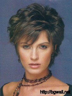 short-layered-hairstyle-ideas-for-fine-hair-over-50