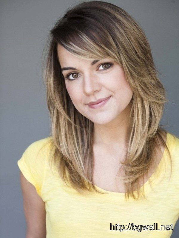 short medium length layered hairstyle ideas with bangs
