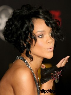 short-stacked-hairstyle-ideas-for-curly-hair