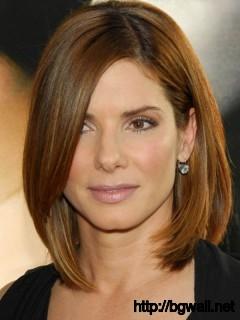 short-to-medium-layered-haircut