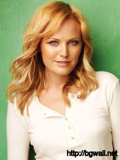 Celebrity Malin Akerman in Green Background Wallpaper