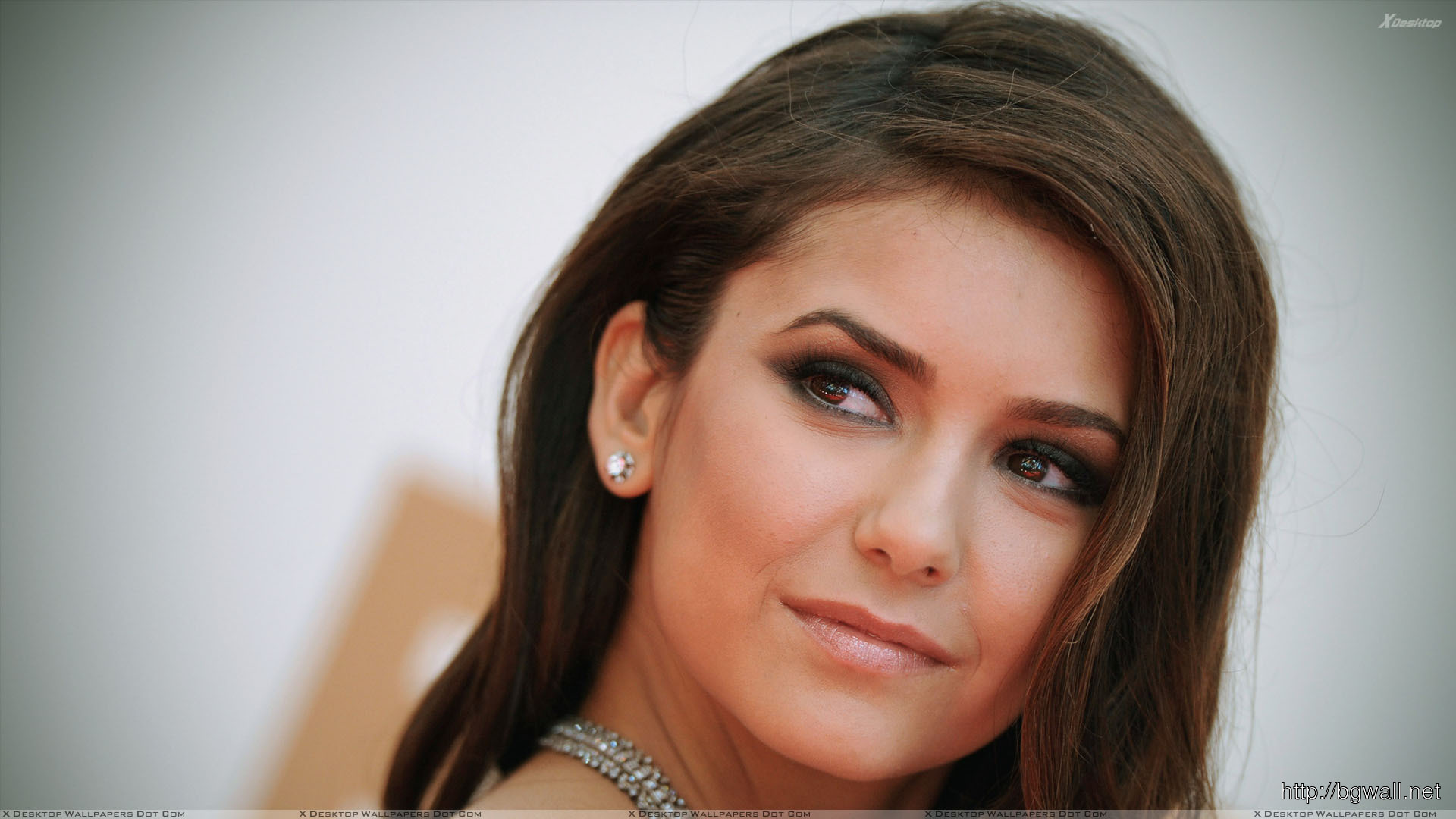 Cute Face Nina Dobrev Wallpaper