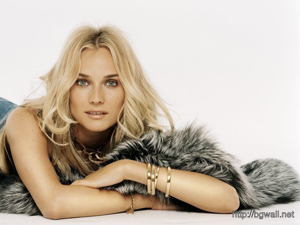 Dazzling Diane Kruger Wallpaper