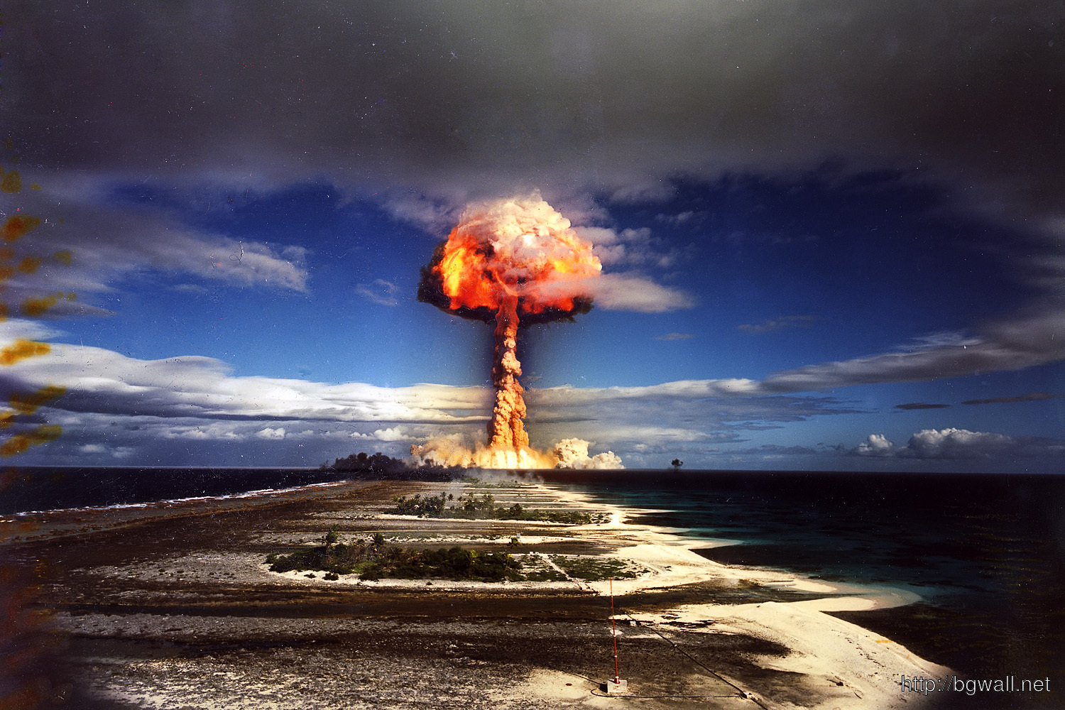 hd wallpapers nuclear explosion