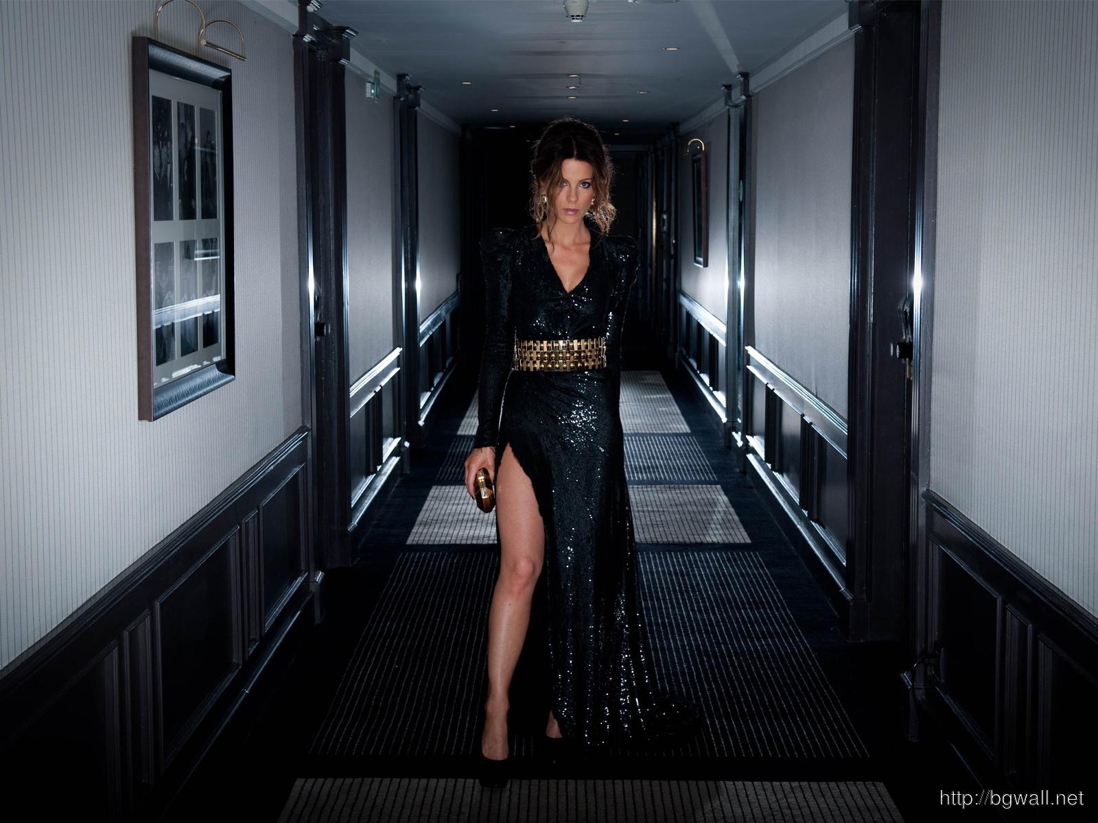 Kate Beckinsale Black Elagant Dress Photo