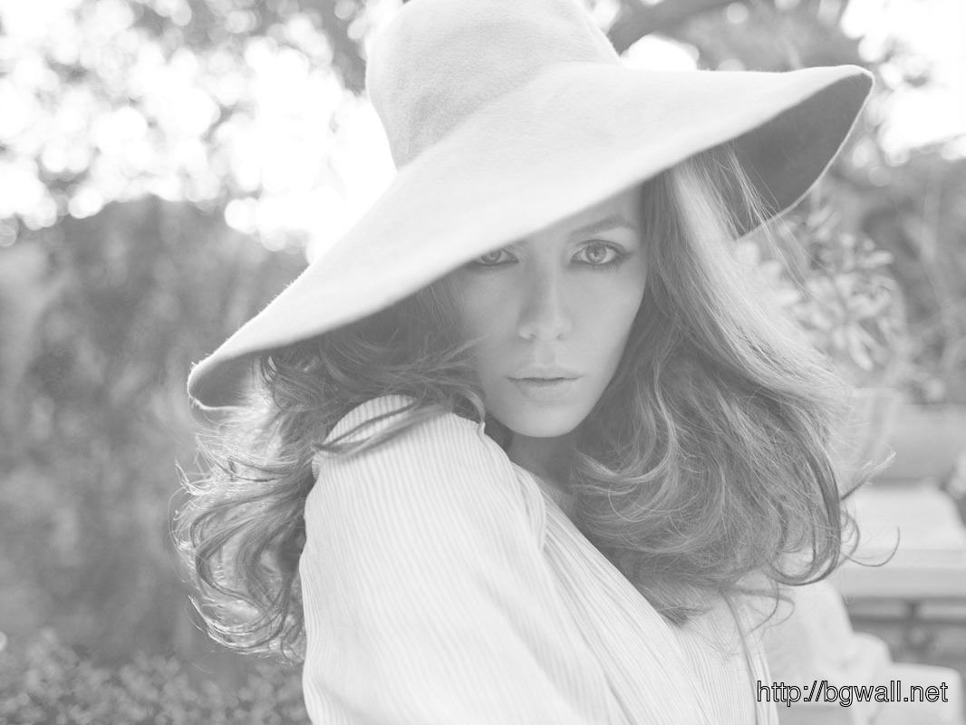 Kate Beckinsale Black n White Photo