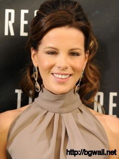 kate beckinsale Photoshot in Beverly Hills Mobile Pic