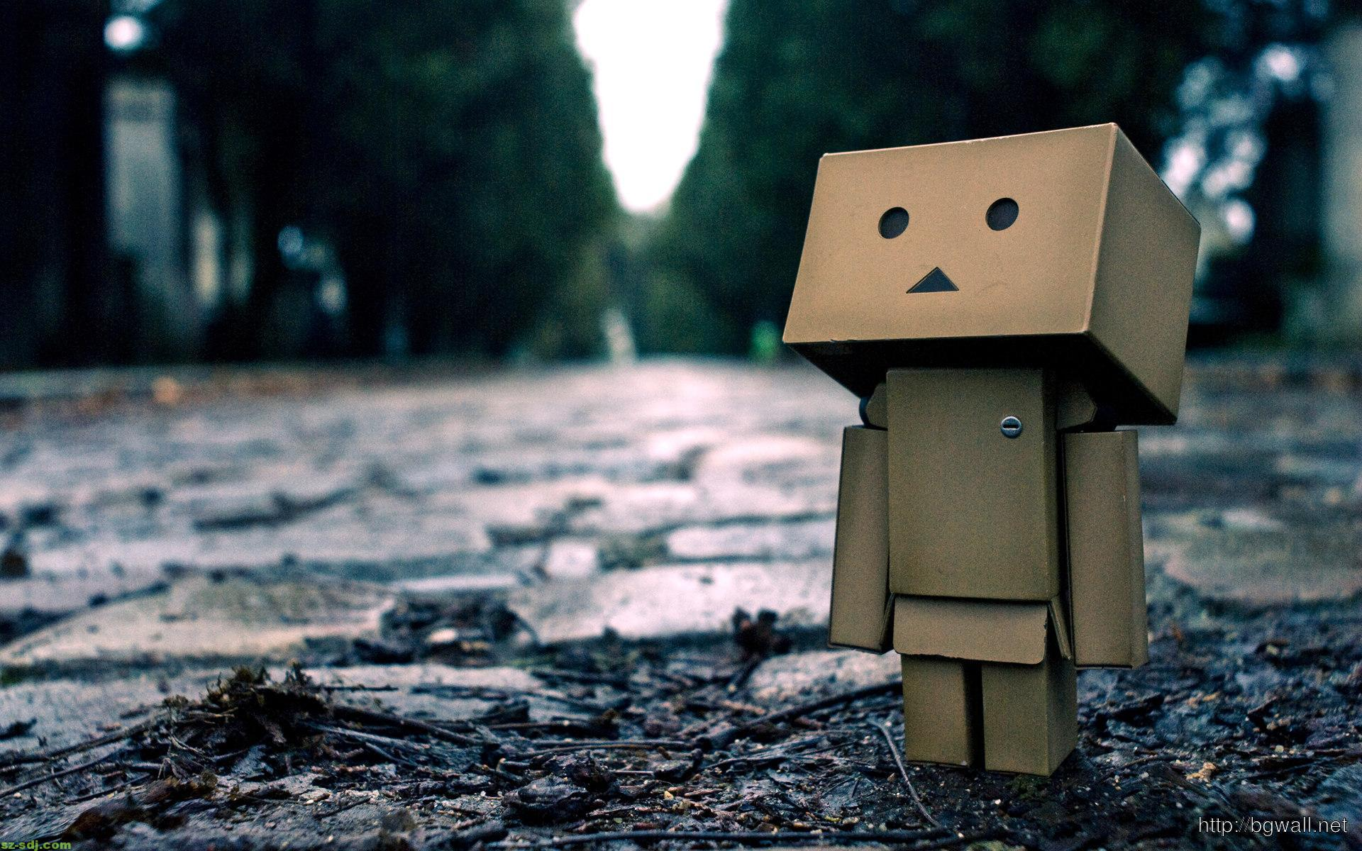 alone-danbo-desktop-wallpaper