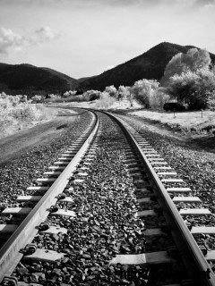 black-and-white-trainway-wallpaper-widescreen