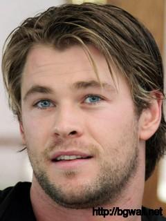 chris-hemsworth-with-his-blue-eye-wallpaper-photoshot