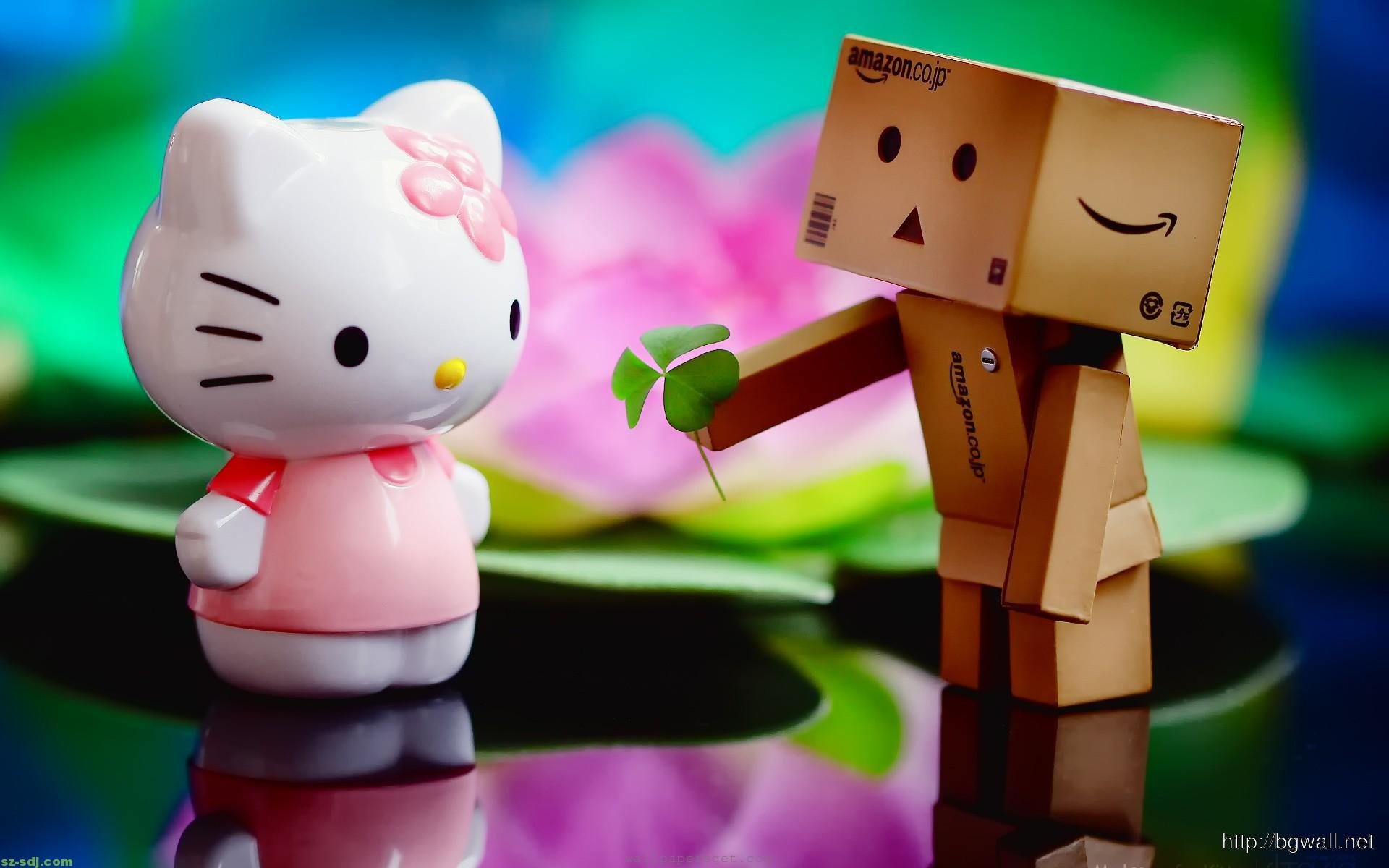 danbo-with-hello-kitty-wallpaper-free-download