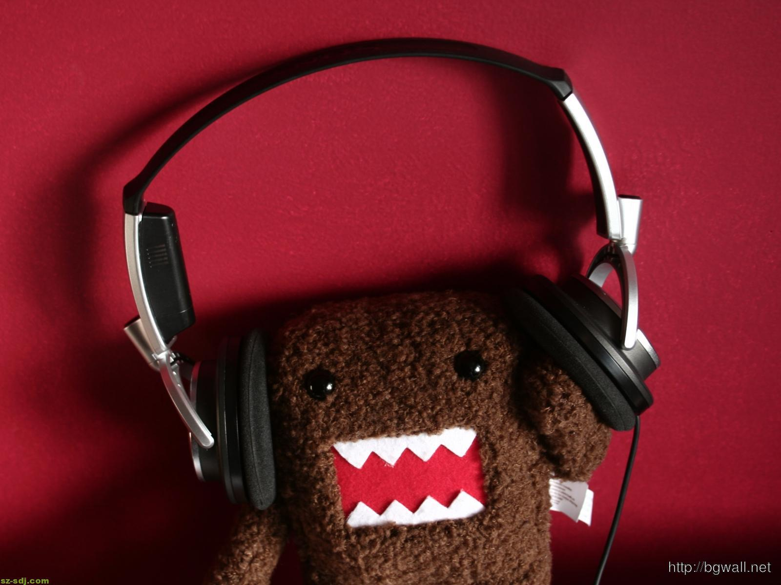 domo-listen-music-wallpaper